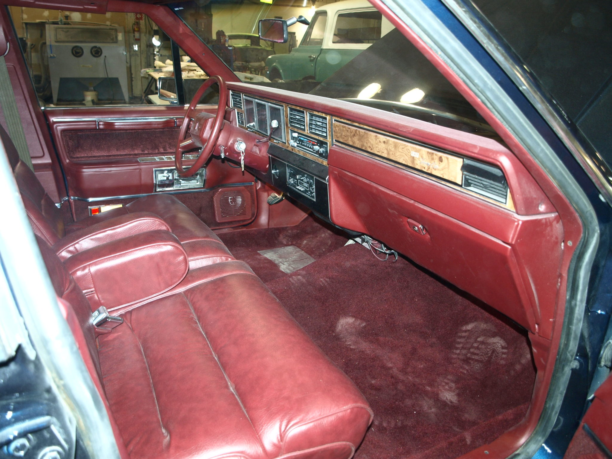 1985 lincoln town car precision car restoration. Black Bedroom Furniture Sets. Home Design Ideas